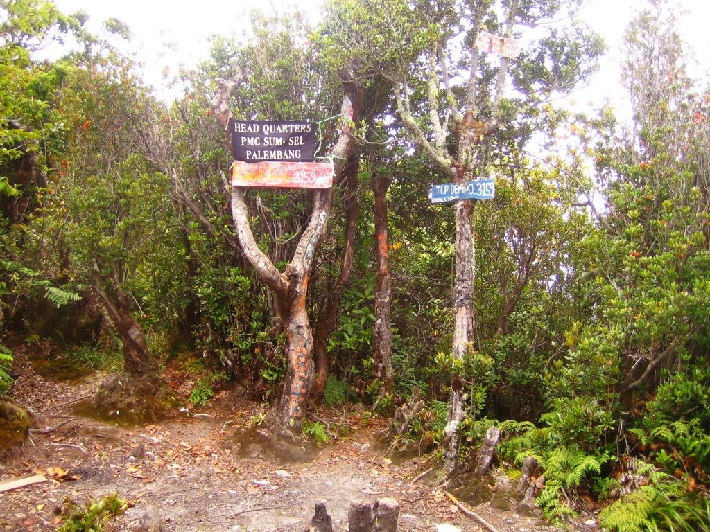 dempo-summit-gps-read-3058m