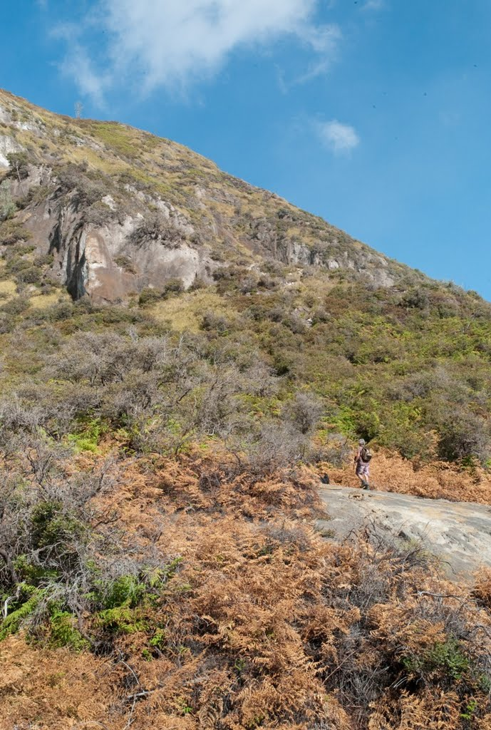 merapi-steep-non-visibal-path