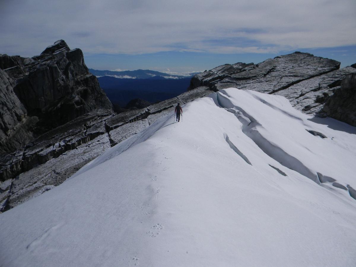 Summit of Puncak Jaya (Robert Cassady, 2010)
