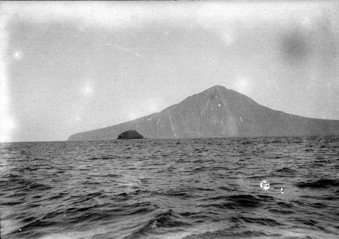 rakata may 1929 tropen by dr wgn van der sleen