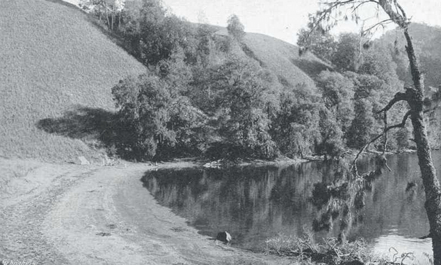 Semeru-Ranu-Kumbolo-in-the-early-20th-century-courtesy-TropenMuseum