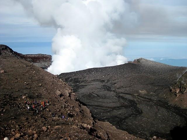 slamet-crater-2