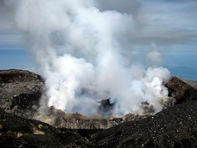 slamet-crater-3