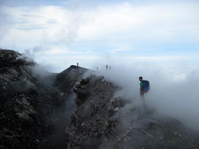slamet-crater-rim