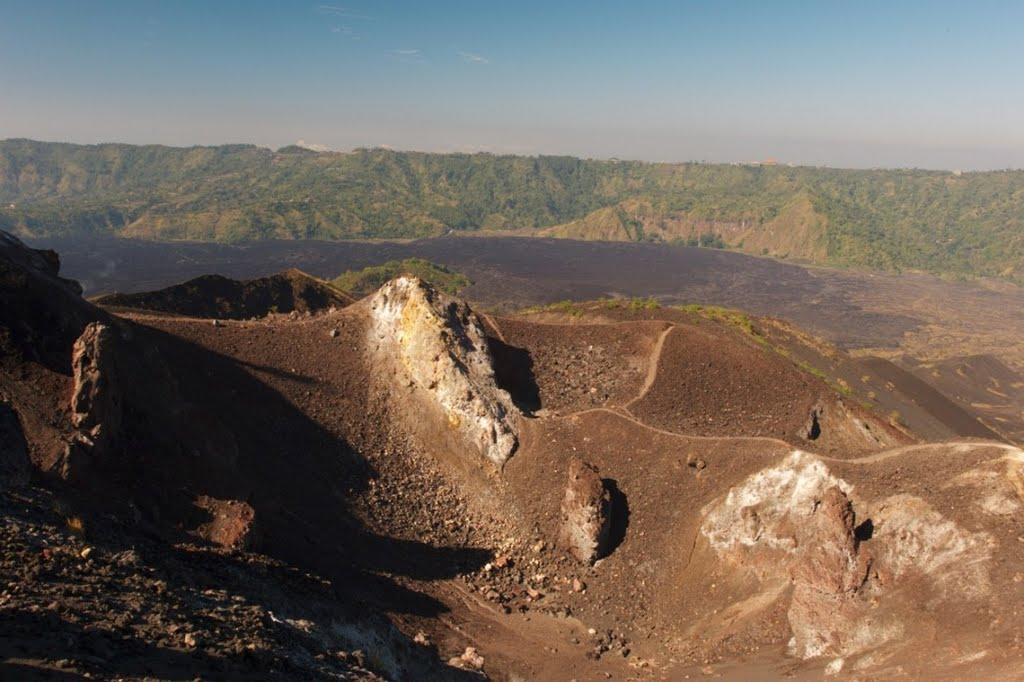 batur-volcanic-landscape-at-its-best-2